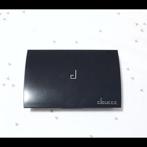 Makeup - Brand New Doucce Eyeshadow Pro Palette